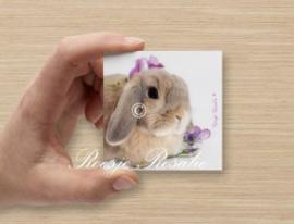 Cadeau Kaartje Konijn Isabella met paarse bloemetjes