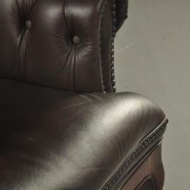 Antieke stoelen / Bureaustoel met bruin gecapitoneerd leer ca. 1865 Engeland (No.511855)