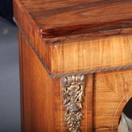 Antieke kasten / Notenhouten 2 deurs vitrinekastje met brons en inlegwerk ca. 1890 Engeland (No.591035)