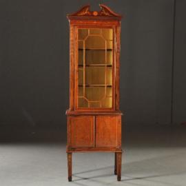 Antieke kasten / Smalle vitrinekast Edwardian ca. 1910 met hol gebogen onderkast (No.481845)