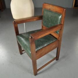 Antieke stoelen / Art Deco bureaustoel / armstoel ca. 1920 met smetteloos groen leer (No.470741)