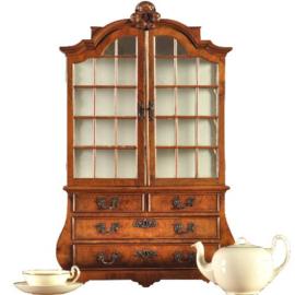 Antiek Varia / Tafelkastje / miniatuur kabinetje of meesterstukje ca. 1910 in wortelnoten (No.202726)
