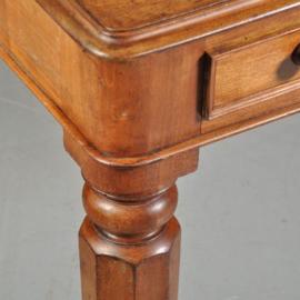 Antieke bureaus / Partner schrijftafel met oud leer ca. 1865 notenhout (No.460250)
