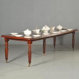 Antieke tafels / Engelse coulissentafel / pull out table ca. 1875 tot ruim 3 m. te vergroten (No.501310)