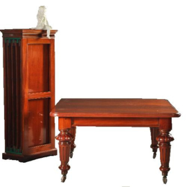 Antieke tafels / Engelse windout table / Coulissentafel met de oorspronkeleijke bladen en bladenkast  (No.220211)