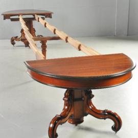 Antieke tafels / Indrukwekkende Coulissetafel ca. 1870 uitschuifbaar tot zeker 20 couverts  (No.370552)
