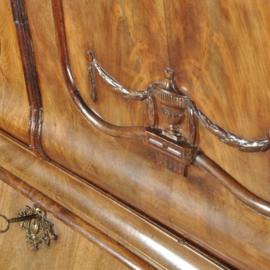 Antieke kasten / Hollands dubbel gebogen kabinet ca. 1775 met drempeldeuren (No.522831)