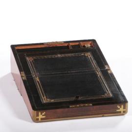 Antiek varia / Schrijfkist ca. 1860 in noten met brons en zwart leer (No.582616)