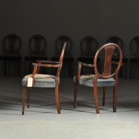 Antieke stoelen  / Stel van 8 Hepplewhite eetkamerstoelen ca. 1890 Prijs incl herstofferen of restauratie handgeborduurde petit point zittingen (No.290625)