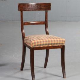 Antieke stoelen / Stel van 12 Engelse mahonie stoelen ca. 1930 incl. stoffering naar wens (No.562222)