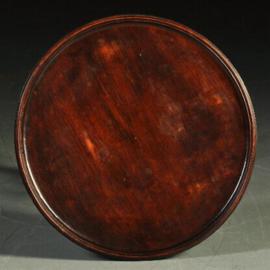 Antieke bijzettafels / Rond mahonie wijntafeltje ca. 1920 in oude doorleefde kleur  (No-340221)