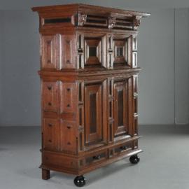 Antieke kasten / Hollandse 4-deurskast ca. 1650 in eiken met ebben (No.530933)