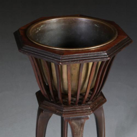 Antieke bijzettafels / Wijntafels / Hollandse mahonie jardiniere / chache pot of toch een wijnkoeler ca. 1890 (No.572233)