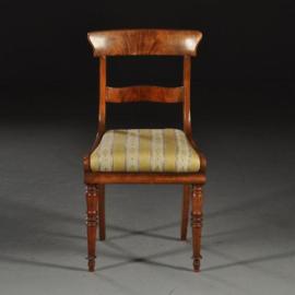 Antieke stoelen / Naar keuze: 4, 5 of 6 Victoriaanse eetkamerstoelen ca. 1850 in  mahonie    (No.450220)