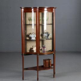 Antieke kasten / Brede orgelgebogen één-deurs vitrinekast ca. 1900 mahonie  met ingelegde biesjes (No.632012)