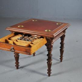 Antieke bijzettafels / Speeltafel met 4 verwisselbare bladen en 4 kandelaren ca. 1880 en doorschuiflade (No.412512)
