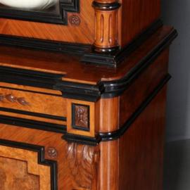 Antieke kasten / Stel van 2 identieke notenhouten Willem III bibliotheekkasten met zwart gepolitoerde details ca. 1875 Hollands (No.551814)