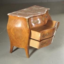 Antieke kasten / Gebombeerde commode in notenhouten met brons ca. 1925 (No.502853)