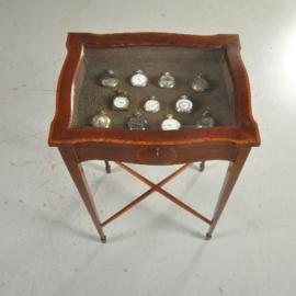 Antiek bijzettafels / juwelentafeltje / tafelvitrine in mahonie met inlegwerk ca. 1900 (No.511857)