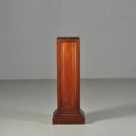 Antiek bijzettafels / Zeer strakke Hollandse zuil of sokkel in mahonie ca. 1900 (No.511862)