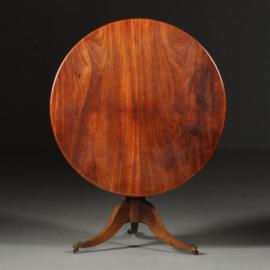 Antieke tafels / Kleine ronde mahonie eetkamertafel ca. 1860 met tilttop-mechaniek (No.440314)
