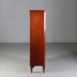 Antieke kasten / Lodewijk 16e boekenkastje met gaas ca. 1800, daarbij bespannen panelen naar wens of glas. (No.550744)
