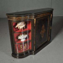 Antiek kasten / Engelse zwart gepolitoerde credenza met orgelgebogen glas (No.532122)