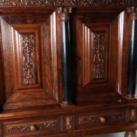 Antieke kasten / kolomkast in palissander met vrijstaande ebben zuilen ca. 1700 (No.571040)