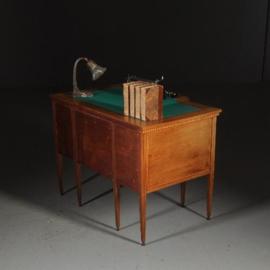 Antieke bureaus / Notenhouten bureau / schrijftafel ca. 1890 met groene inleg (No.522356)