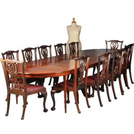 Antieke tafels / Ronde Coulissentafel tot 3,80m. 12/14 personen ca. 1830 centrale poot met acanthusblad (No.521367)