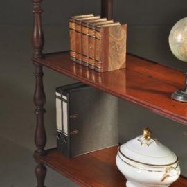 Antieke bijzettafels / mahonie boekenrek,  Victoriaanse whatnot ca. 1870 3 etages. (No. 440317)