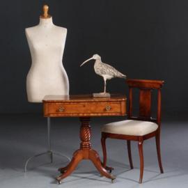 Antieke bijzettafels / Victoriaanse wandtafel ca. 1865 in blond mahonie met lade (No.611652)