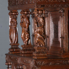 Antieke kasten / Hollandse 17e eeuwse vierdeurkast  met vrijstaande beelden, eikenhout (No.572231)
