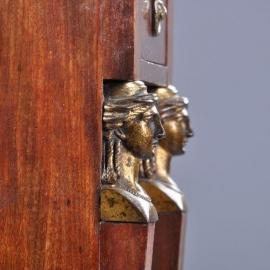 Antieke kasten / Empire nachtkastje ca. 1810 met verdiept marmer blad en brons (No-890803)