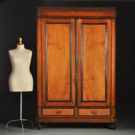 Antieke kasten / Hollandse notenhouten 2-deurskast ca. 1875 met zwart lijstwerk (No.311631)
