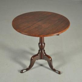 Antieke bijzettafel / Engelse tilttop tafel Georgian ca. 1800 doorleefde uitstraling (No.371733)
