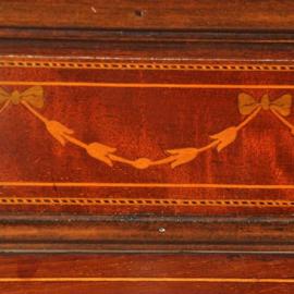 Antieke kasten / Engelse mahonie Vitrinekast ca. 1900 met roede verdeling en beklede planken (No.522354)