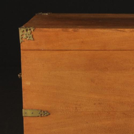 "Antieke kasten / Kledingkist / Betoverend geurende ""Kamferkist"" ca. 1900 gemerkt ""H. Pander & Zn"" (No.281105)"
