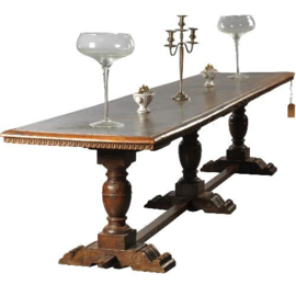 Antieke tafels / Zeer lange smalle kloostertafel / Kasteeltafel / refectory table 17e eeuw en later (No.472062)