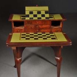 Antieke bijzettafels / Speeltafel en schaaktafel met bureau en lezenaar Rococo ca. 1755 (No.181662)