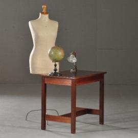Antieke bijzettafels / Art Deco bijzettafel of werktafeltje in massief mahonie ca. 1920 gemerkt Pander (No 293056)
