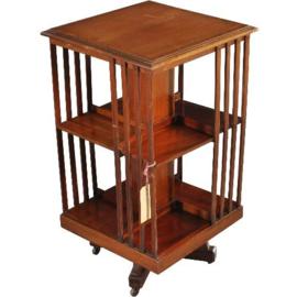 Antieke bijzettafels / Mahonie boekenmolen ca. 1900 twee verdiepingen draaibaar en op wieltjes (No.310716)