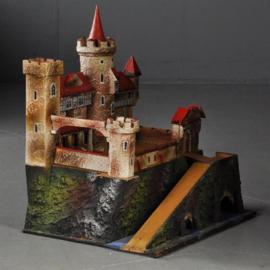 """Antiek varia / Speelgoed kasteel ca. 1900 uitneembaar en op te bergen in de """"berg"""" (No.313145)"""
