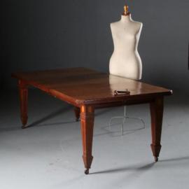 Antieke tafels / Mahonie windout table ca. 1890 met slinger en 2 extra bladen in oude kleur (No.581654)