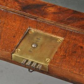Antieke bureaus / Hollands Klepbureau Barok ca. 1715 met 5 geheime vakken (No.532115)