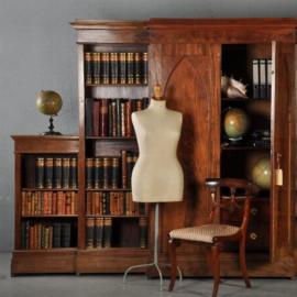 Antieke kasten / Brede boekenkast deels gesloten Hollands ca. 1850 in mahonie met bleommahonie (No-312222)