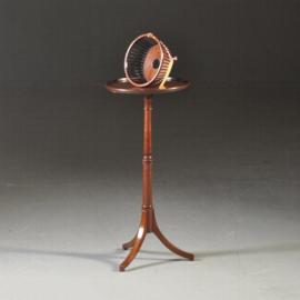 Antieke bijzettafels / Hollands werktafeltje mahonie ca. 1880 met (afneembaar) knottemandje  (No.370554)