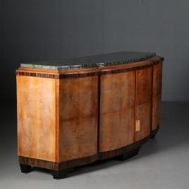 Antieke kasten / Monumentaal art deco dressoir ca. 1925 met groen marmer in blond notenhout (No.451949)