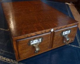 Antiek kistje voor adressenkaartjes (No99127)