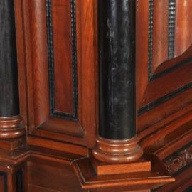 Antieke kasten / Majestieuze kolomkast met vrijstaande kolommen op ebbenhouten potem ca. 1910 (No.281109)